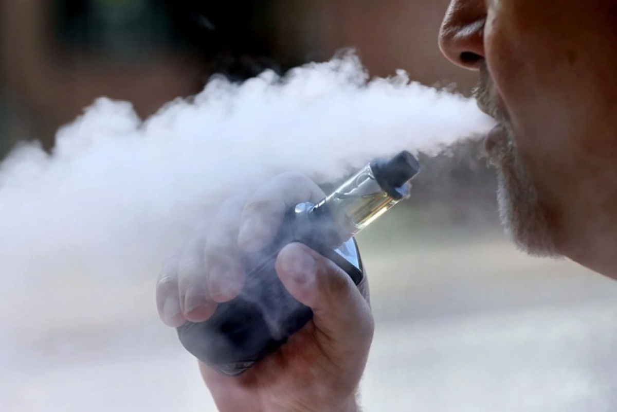 Donald Trump says considering ban on flavoured vaping products