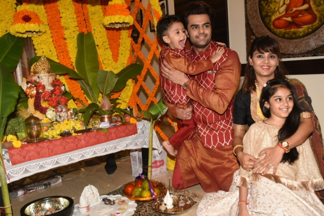 Actor Manish Paul was snapped at home with his wife and two kids during Ganesh Pooja.
