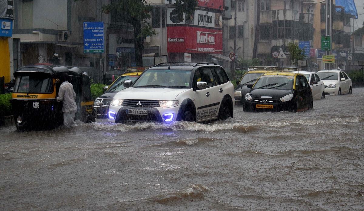 In Pics: Heavy rains lash Mumbai, scenes from the city