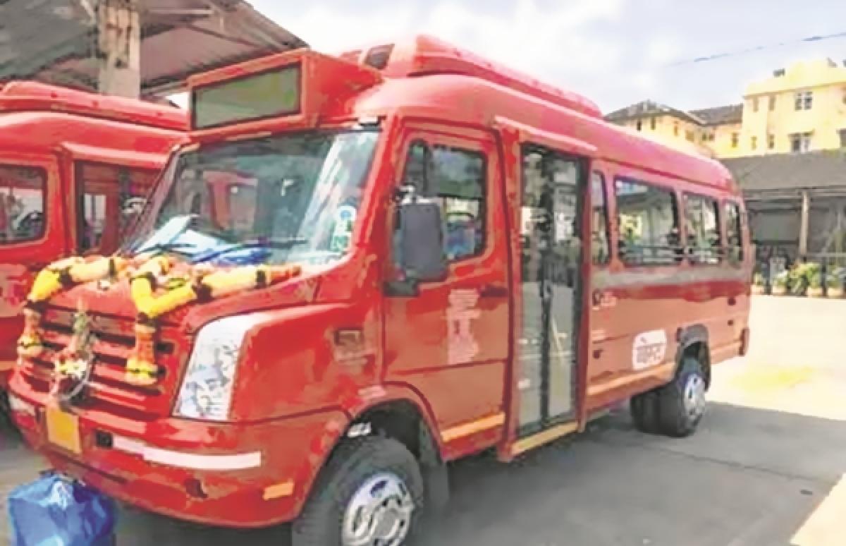 Uddhav Thackeray unveils BEST's swanky mini AC buses