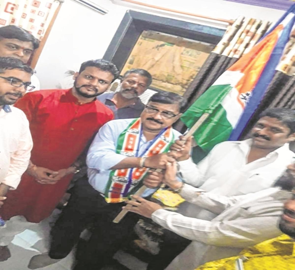 Mumbai: Former ACP Jagdish Lohankar joins MNS