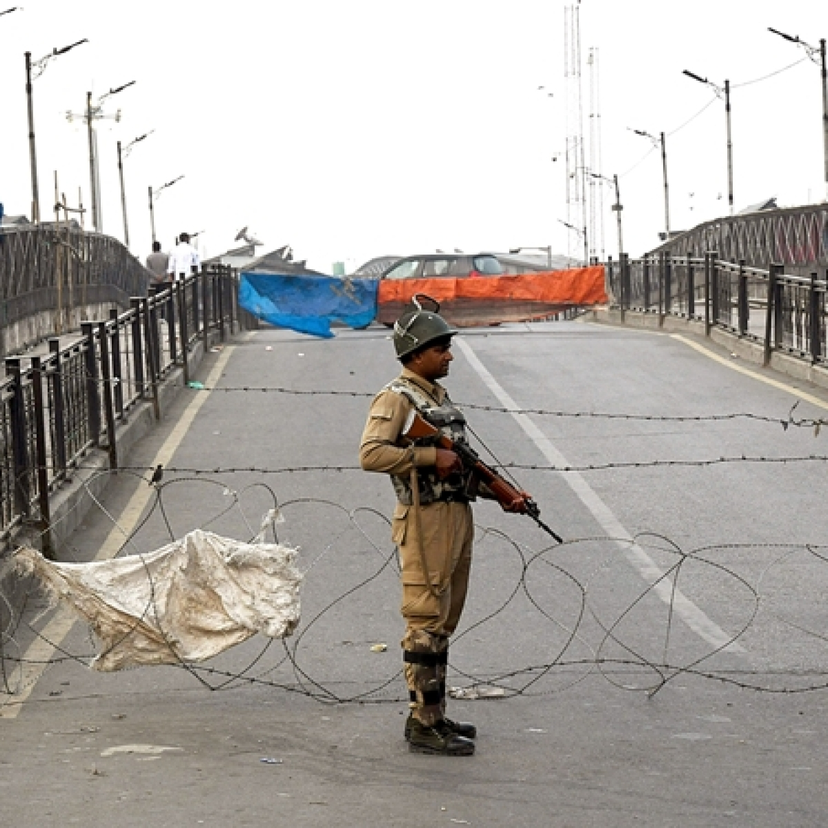 Jammu and Kashmir: Security forces gun down 3 terrorists, rescue hostage; 1 Army jawan martyred