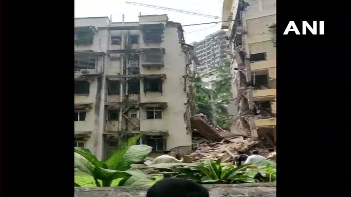 Khar residential building partly collapses; no casualties reported