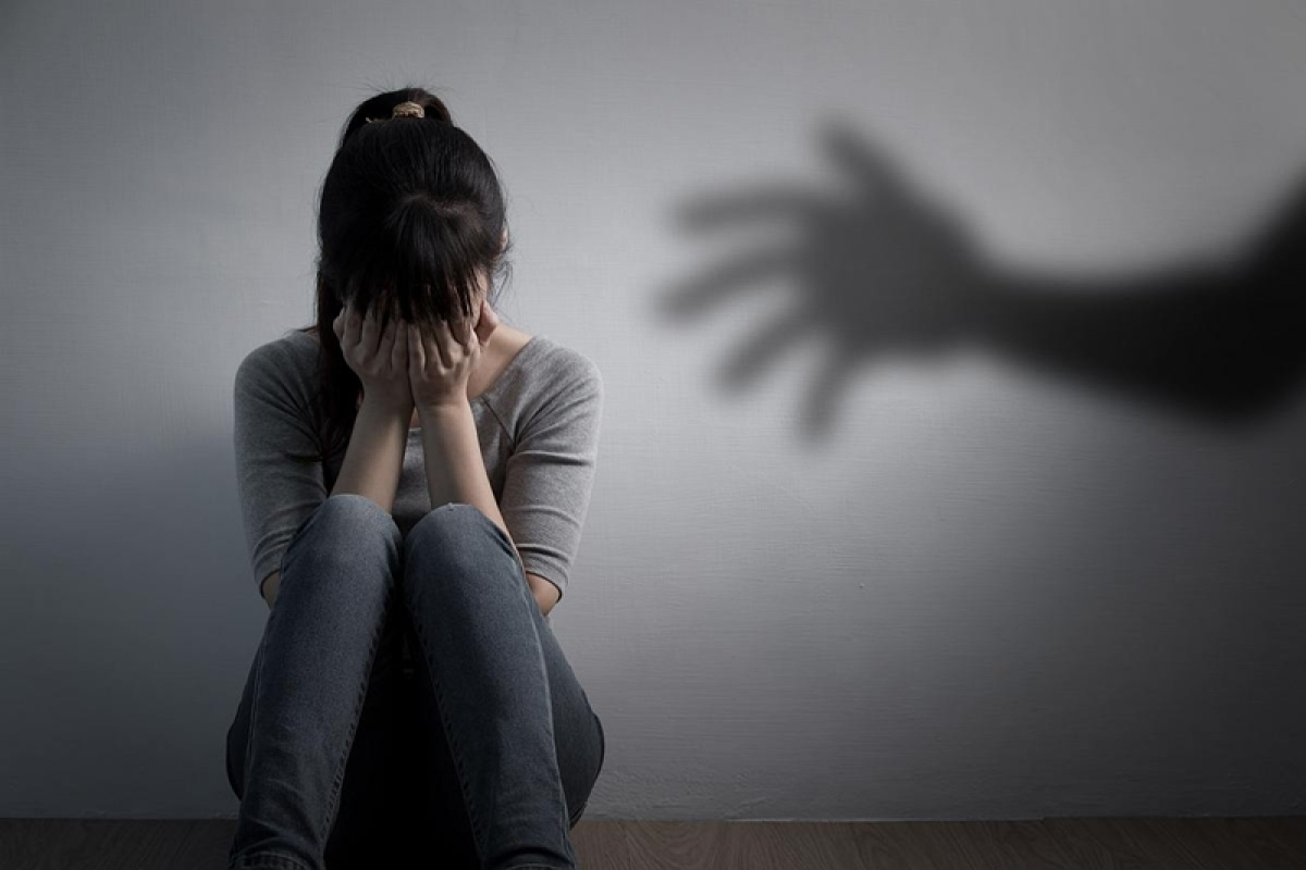 Indore: Boy forcibly enters girl's room, molests her