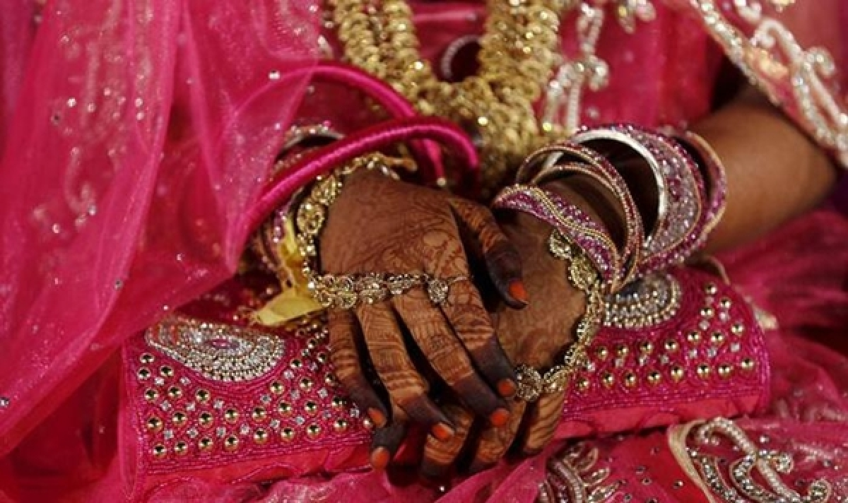 Uttar Pradesh: Cop attacks girl's uncle after marriage cancelled over dowry demand