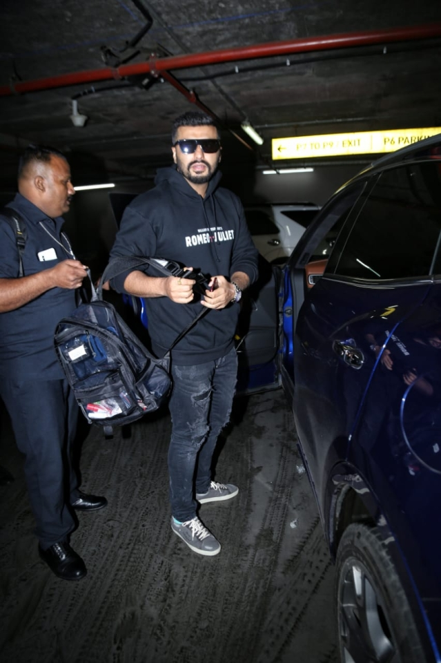 Mumbai airport has become the everyday place to spot a celebrity at any time. Today also media spotted Aditi Rao Hydari, Arjun Kapoor, and Zareen Khan at an airport.