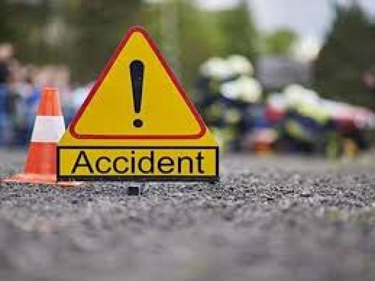 Father, daughter dead as truck hits autos, pedestrians near India Gate