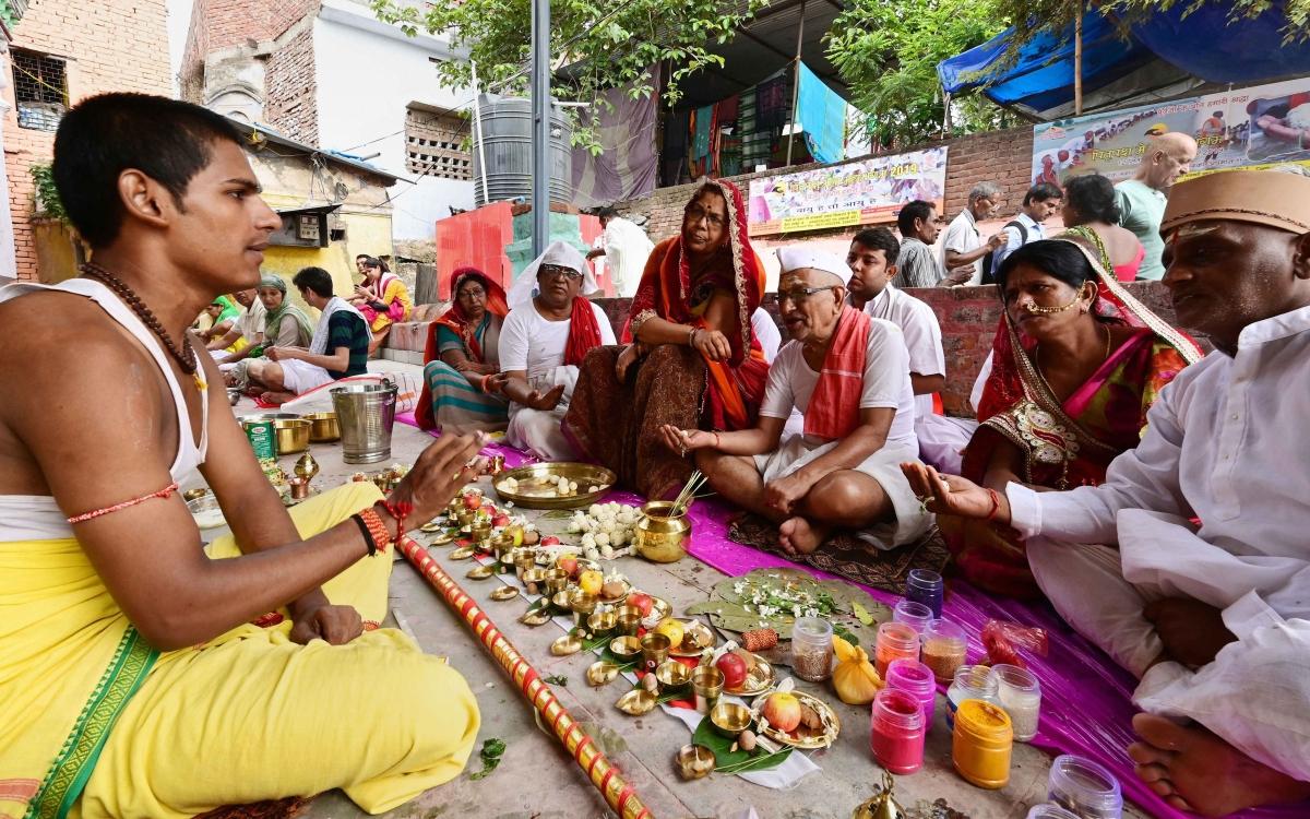 Pitru paksha 2019: The right way to satisfy your ancestors' souls