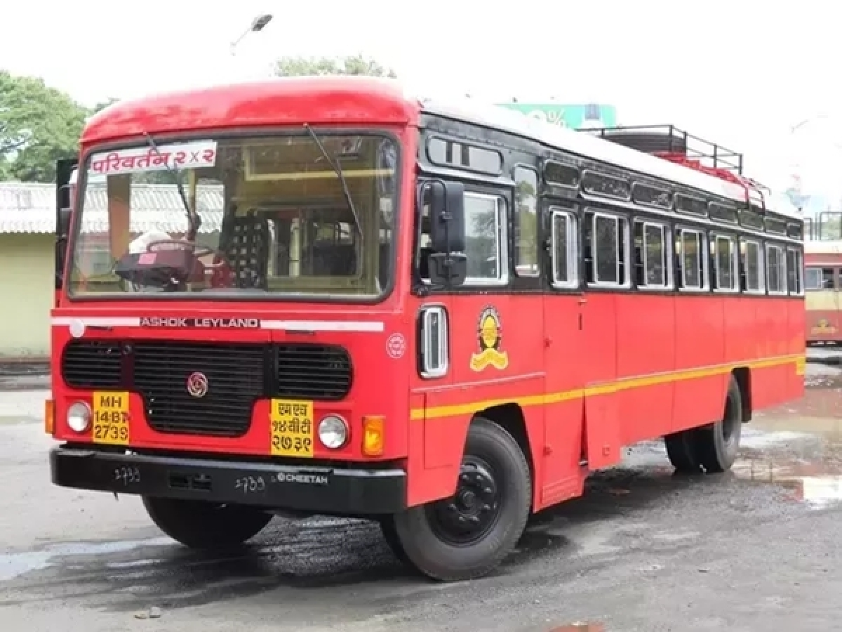 MSRTC bus with devotees catches fire