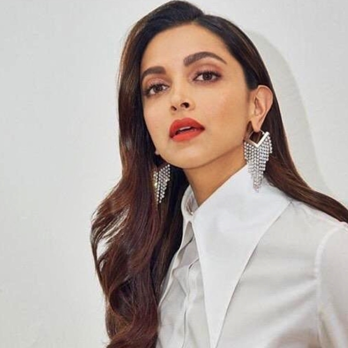 Deepika Padukone is a vision in white as she launches lecture series on mental health