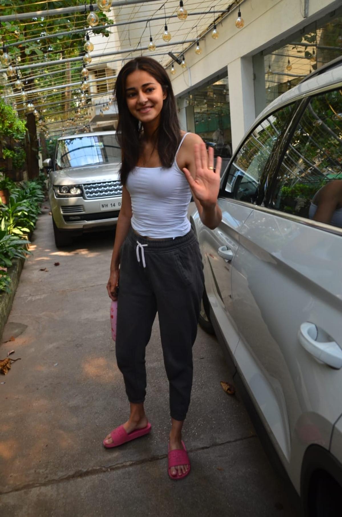 Janhvi Kapoor, Malaika Arora, Genelia Deshmukh have no excuse to bunk the gym today