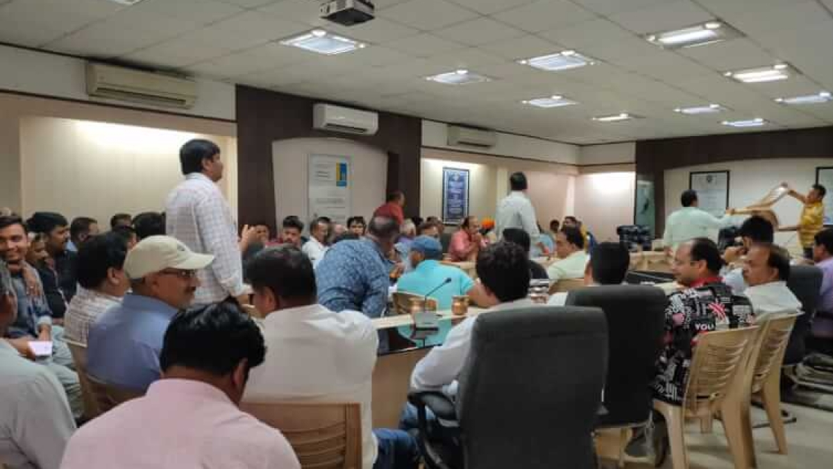 Indore: IMC contractors assured of payments ahead of Diwali