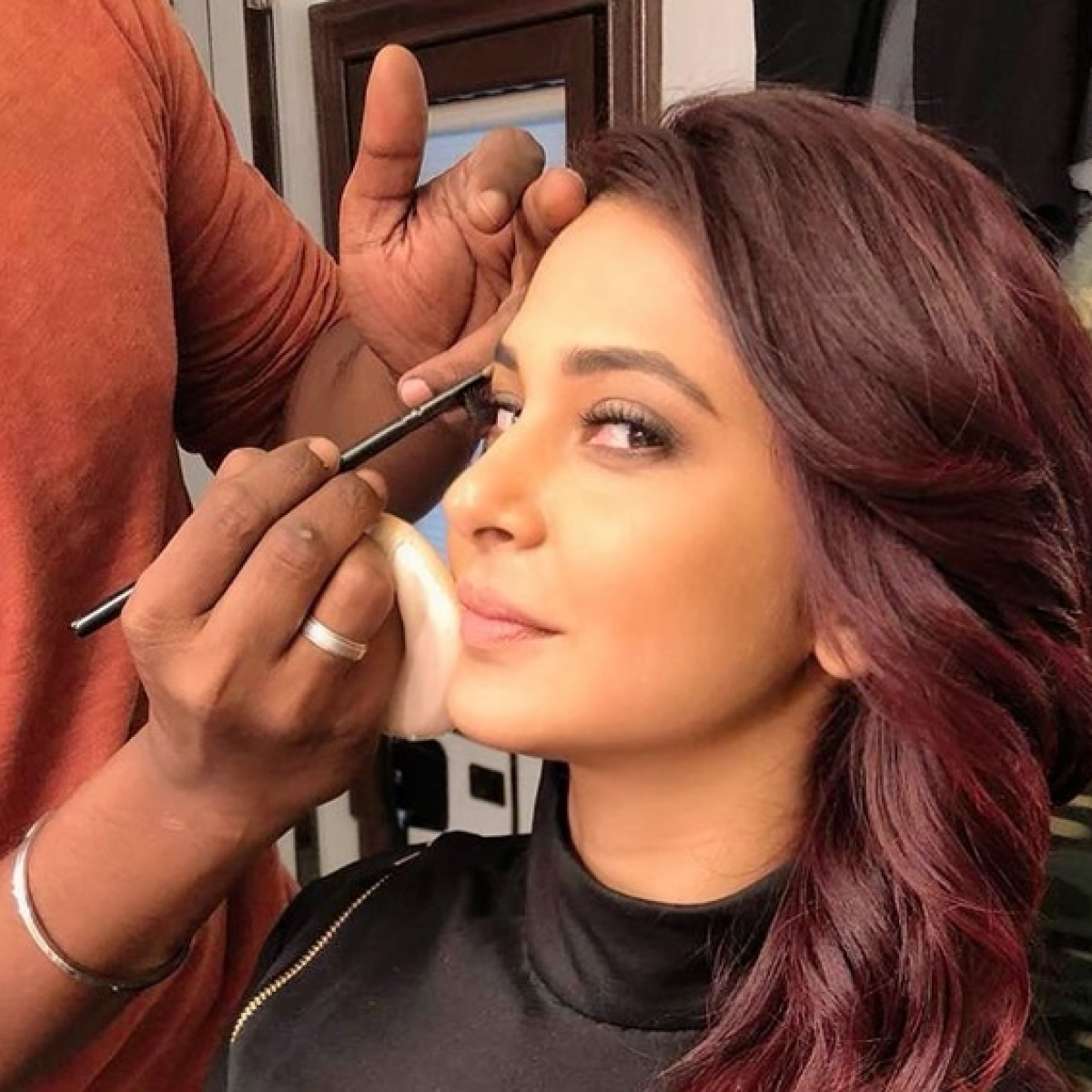Jennifer Winget dyes her hair red for Maya in 'Beyhadh 2'