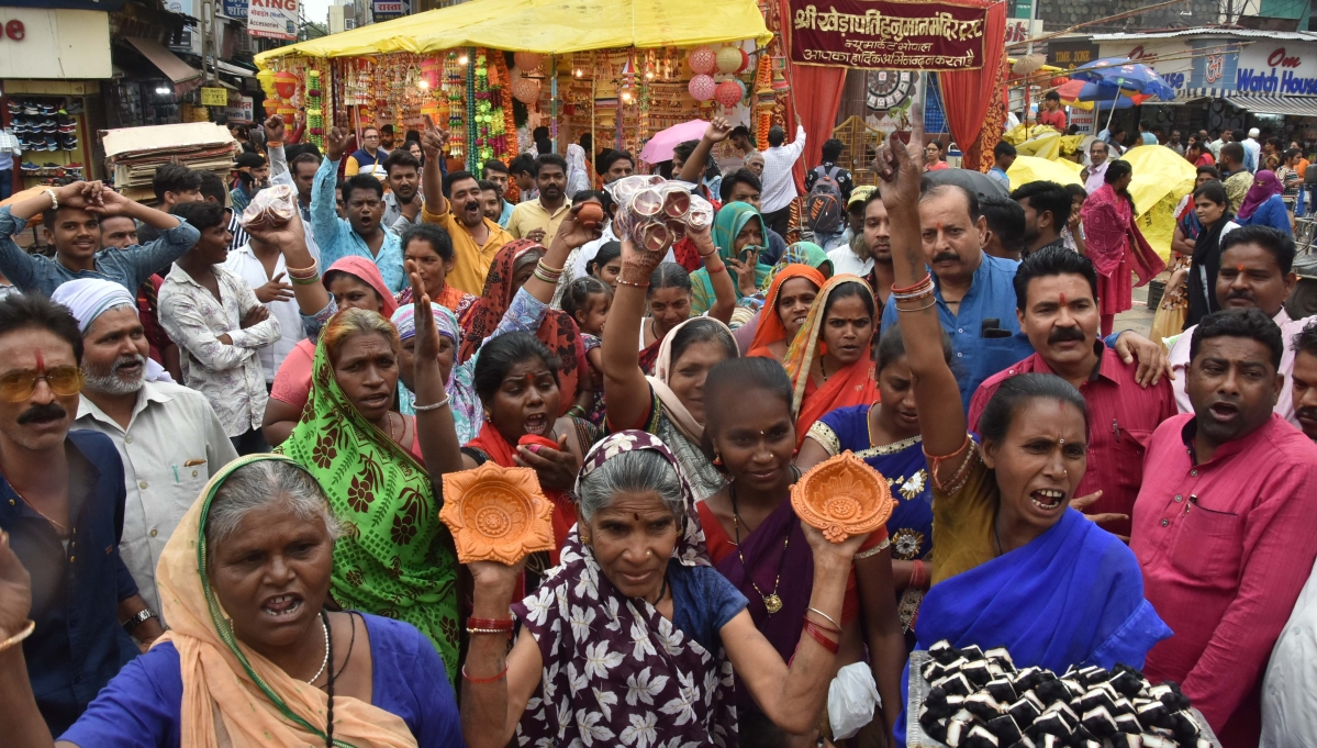 Bhopal: SBM comes in support of New Market hawkers