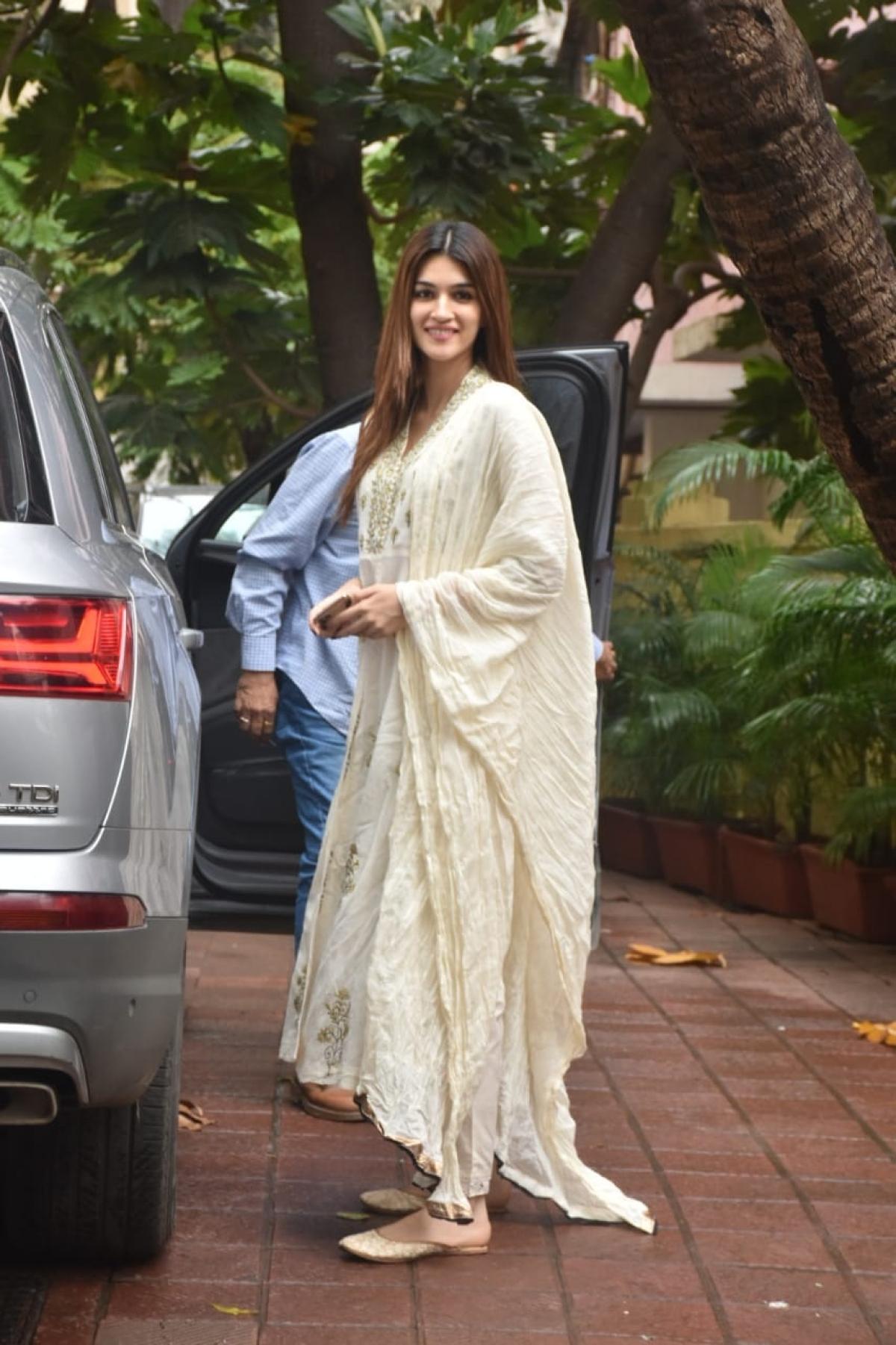 Kriti Sanon spotted in Andheri