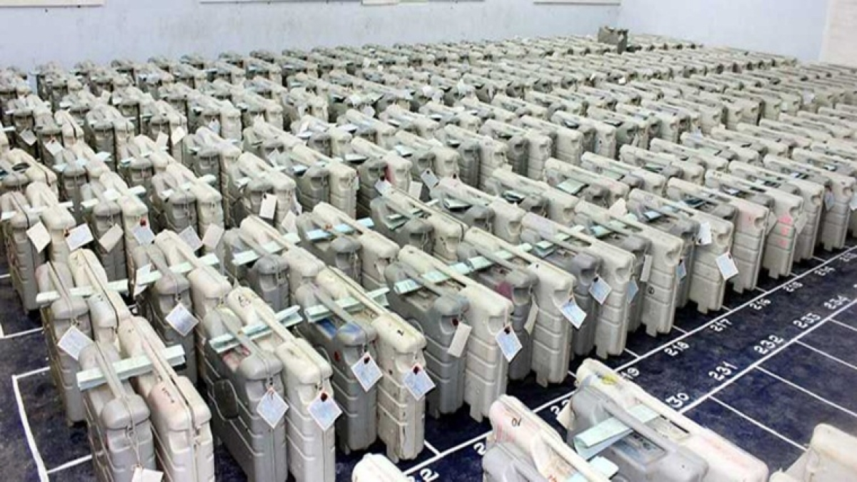 Maharashtra: Congress demands installation of network jammers in and around strong rooms where EVMs are stored