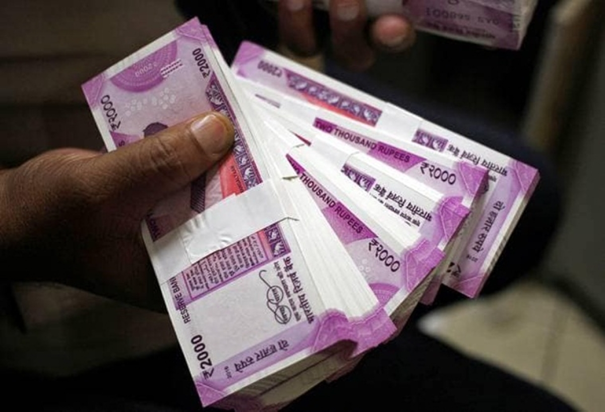 Nothing wrong in replacing Rs 2,000 notes with smaller ones, suggests SC Garg