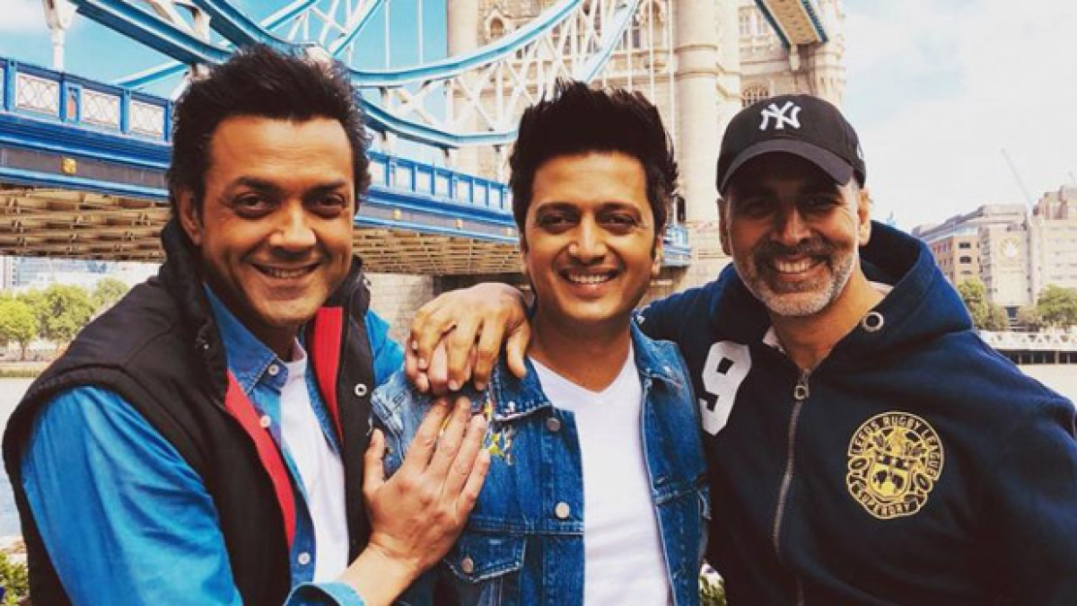Akshay calls Bobby 'Punctuality ka Badshah' after latter turns up late for 'Housefull 4' special screening