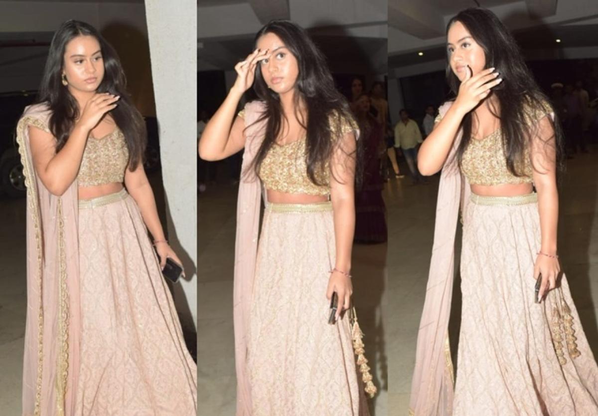 Nysa Devgan exudes princess vibes in blush pink lehenga at a Diwali party