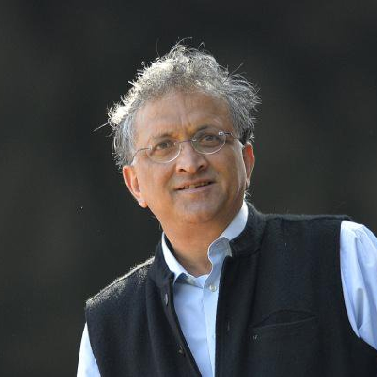 Statutory warning: Ramachandra Guha does not mean all he says