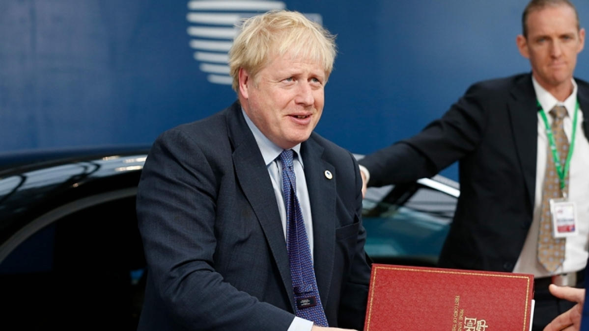 British Prime Minister Boris Johnson to continue in self-isolation due to fever