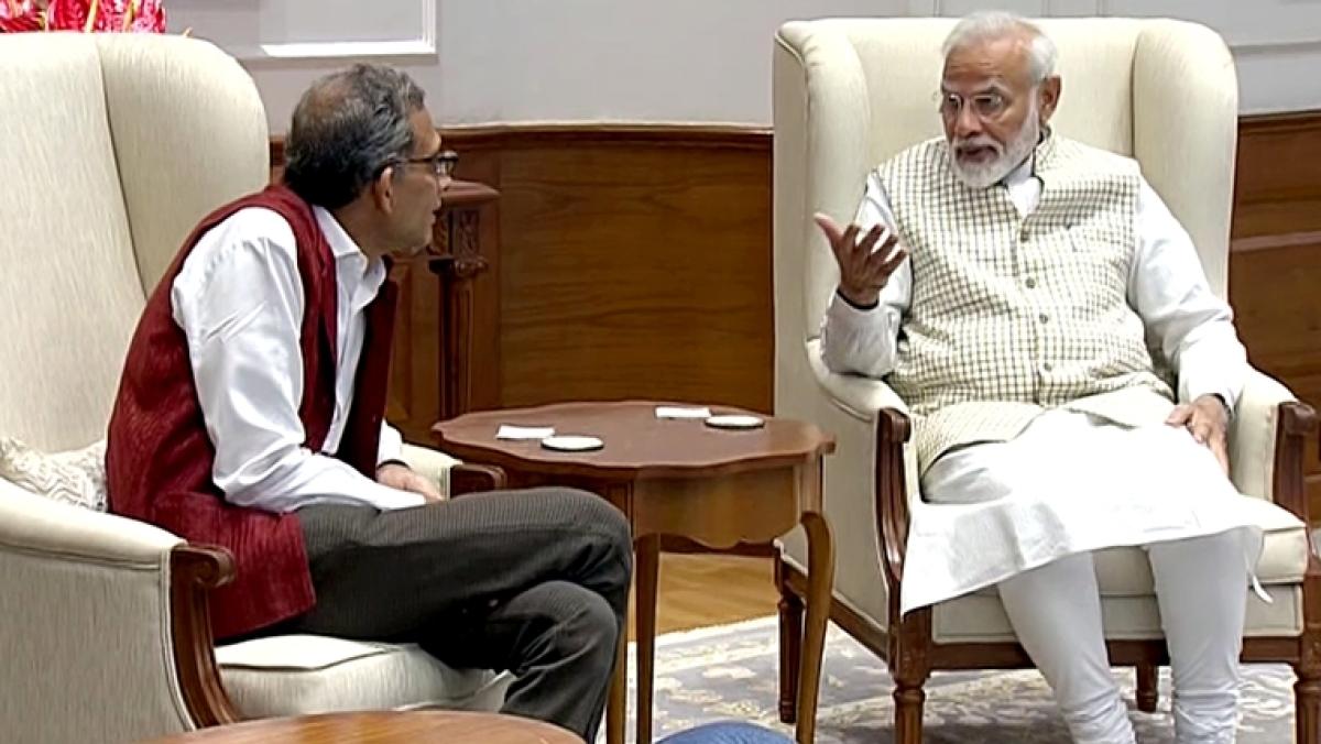 Nobel laureate Abhijit Banerjee reaches hometown to rousing welcome