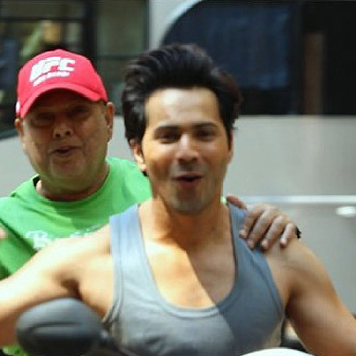 Watch: How Varun Dhawan kick-starts his day with dad David Dhawan on 'Coolie No 1' set