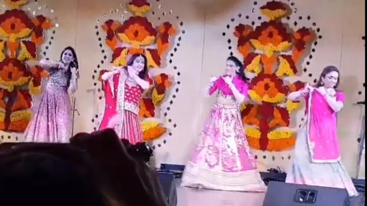 Nita Ambani, Shloka Mehta sets stage on fire with Bollywood music