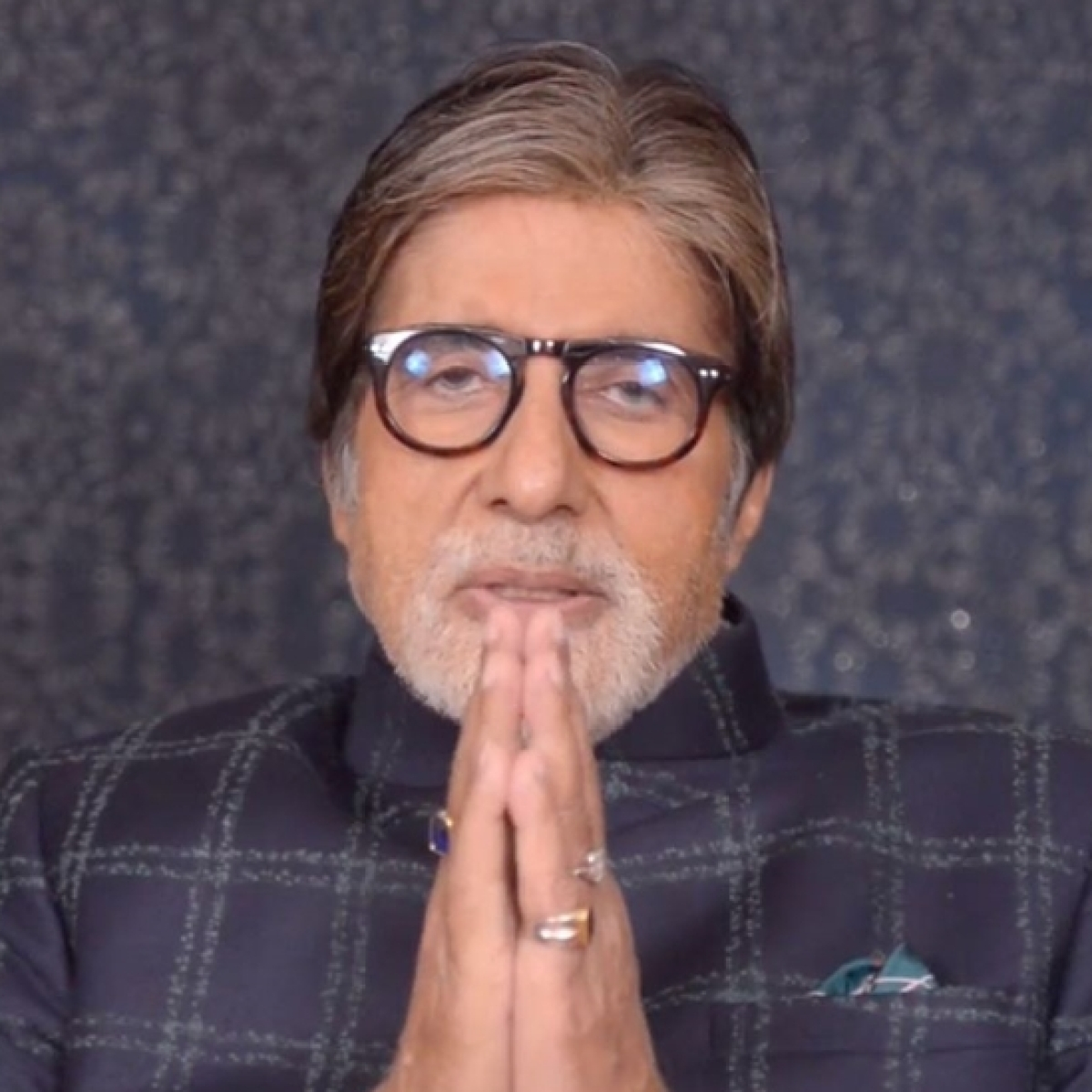 Amitabh Bachchan sings 'Jana Gana...' with differently-abled kids