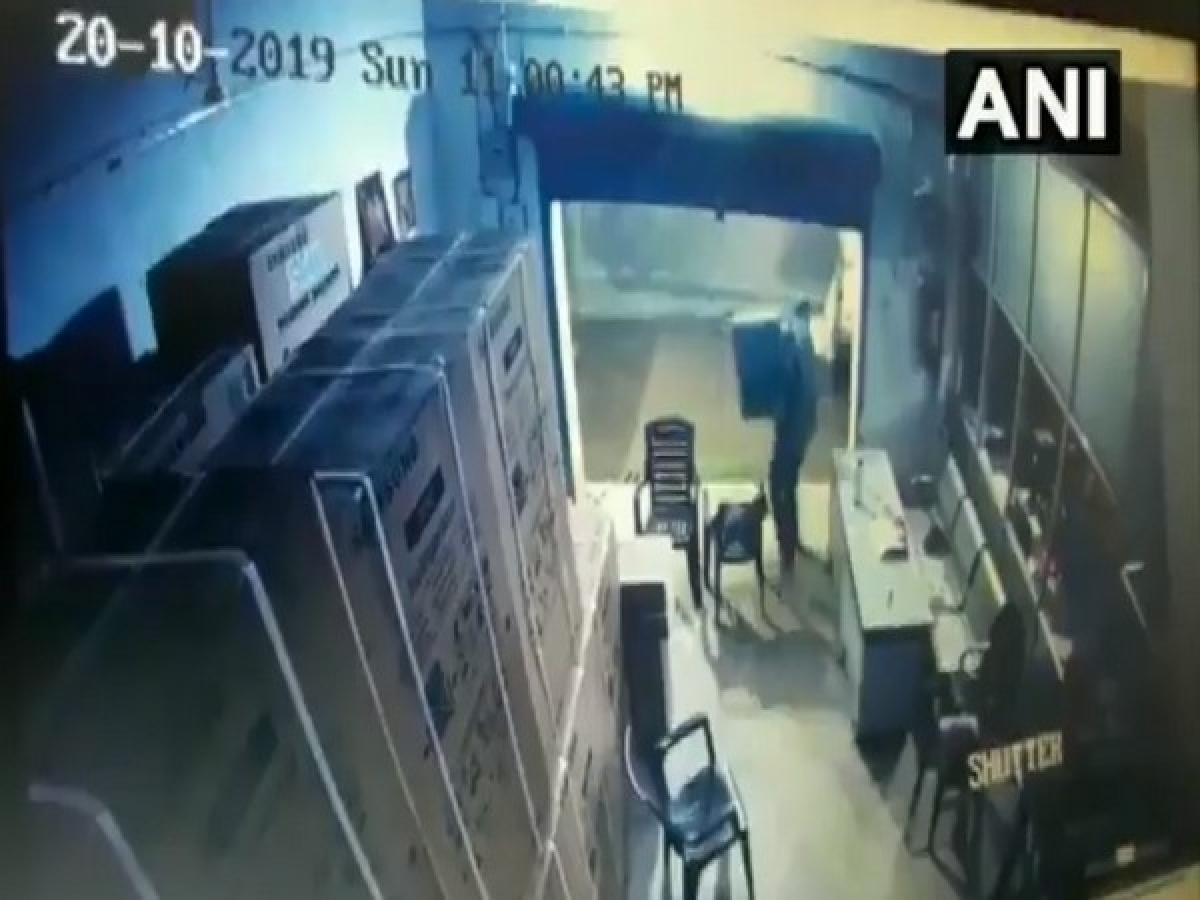 Armed assailants loot TVs worth Rs 50 lakh from Patna godown