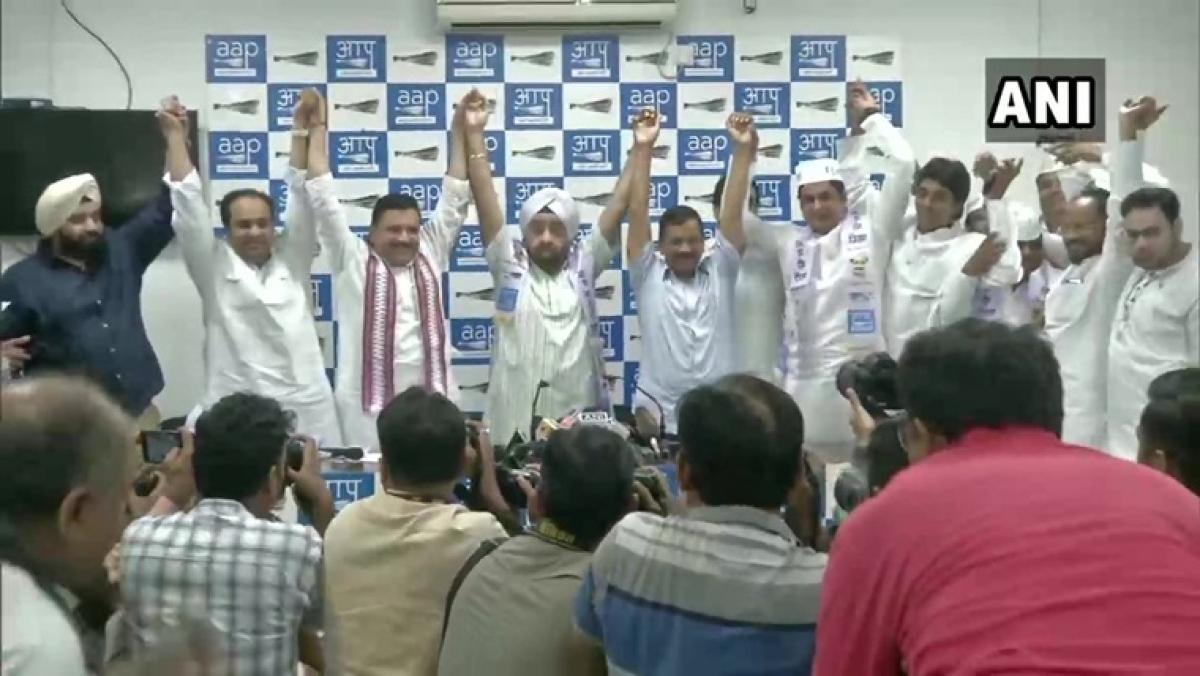Four-time Congress MLA Parlad Singh Sawhney joins AAP in presence of Delhi CM Arvind Kejriwal
