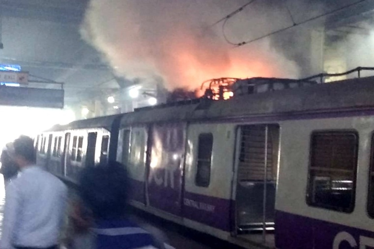 Mumbai: Panvel-CSMT local train catches fire at Vashi Station; watch video