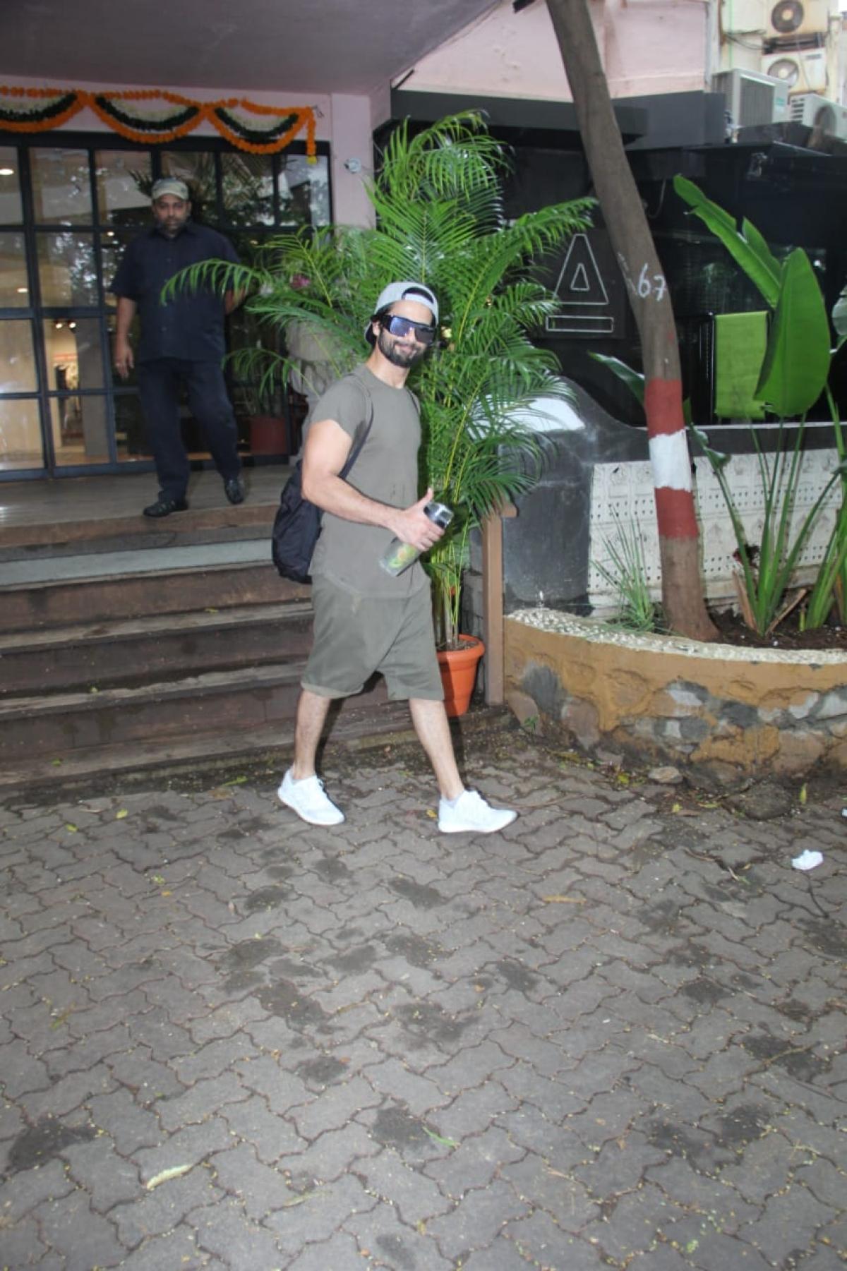 Shahid Kapoor Antigravity Gym Phil hill gym