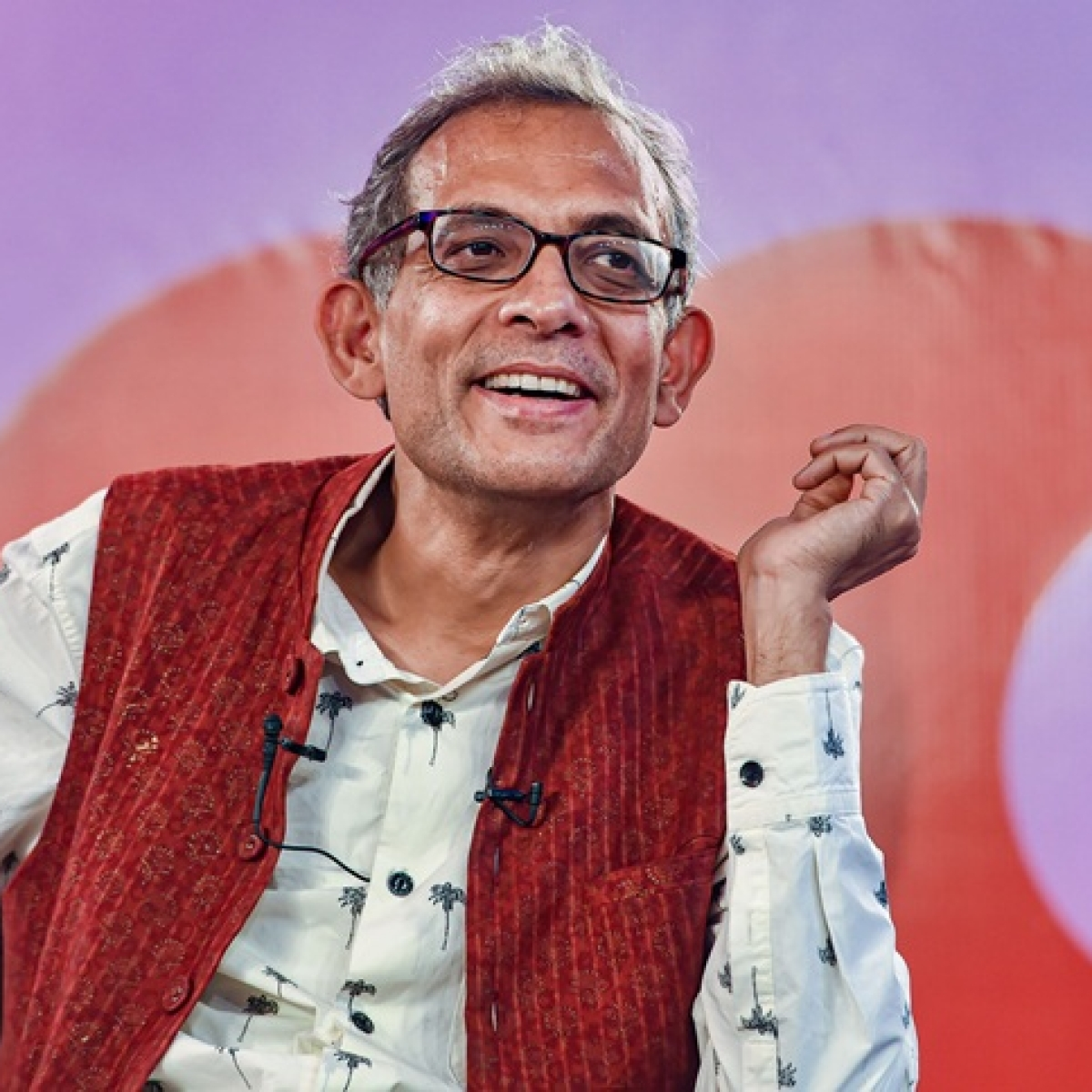 Fact check: Beware - Abhijit Banerjee is not on Twitter and all his accounts are fake