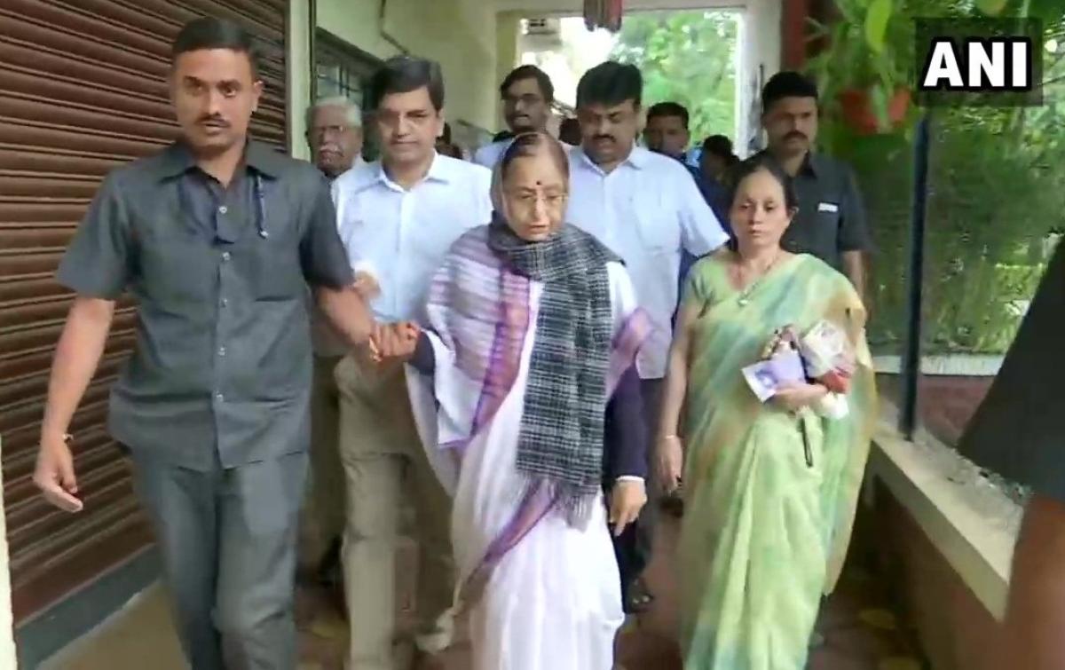 Maharashtra Election 2019 Live Updates: Maha Election 2019: Former President Prathibha Patil drafts her vote in Pune