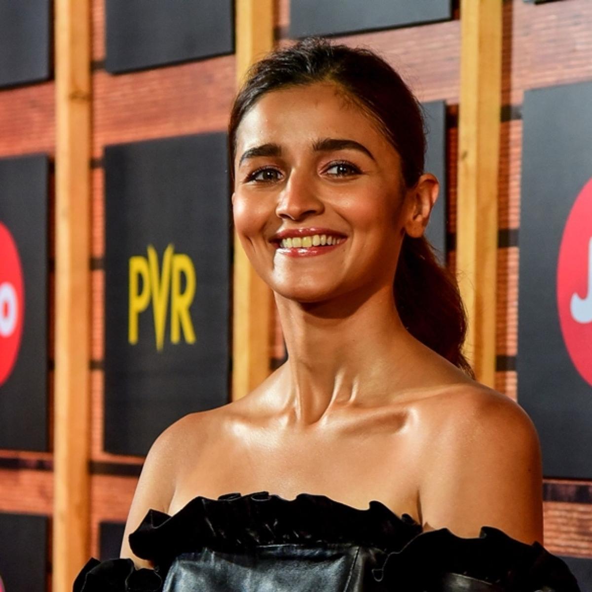 Here's what Ranbir told Alia when she broke down after 'Kalank' failure