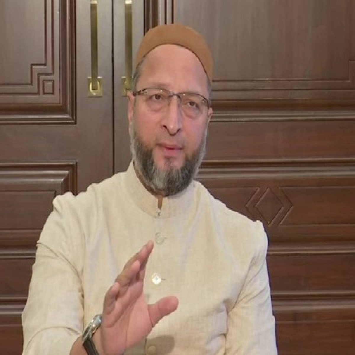 Owaisi writes to Amit Shah, Telangana Govt regarding discharge, travel of persons of Telangana who attended Markaz in Delhi