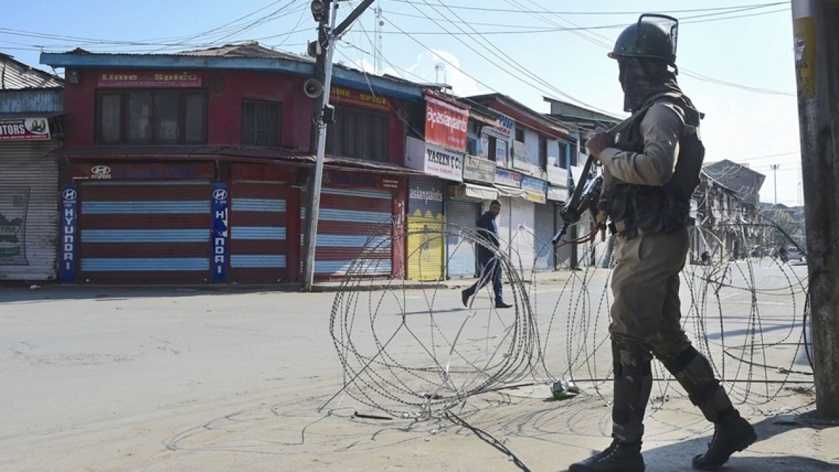 Travel ban in Jammu and Kashmir to be lifted today: Report