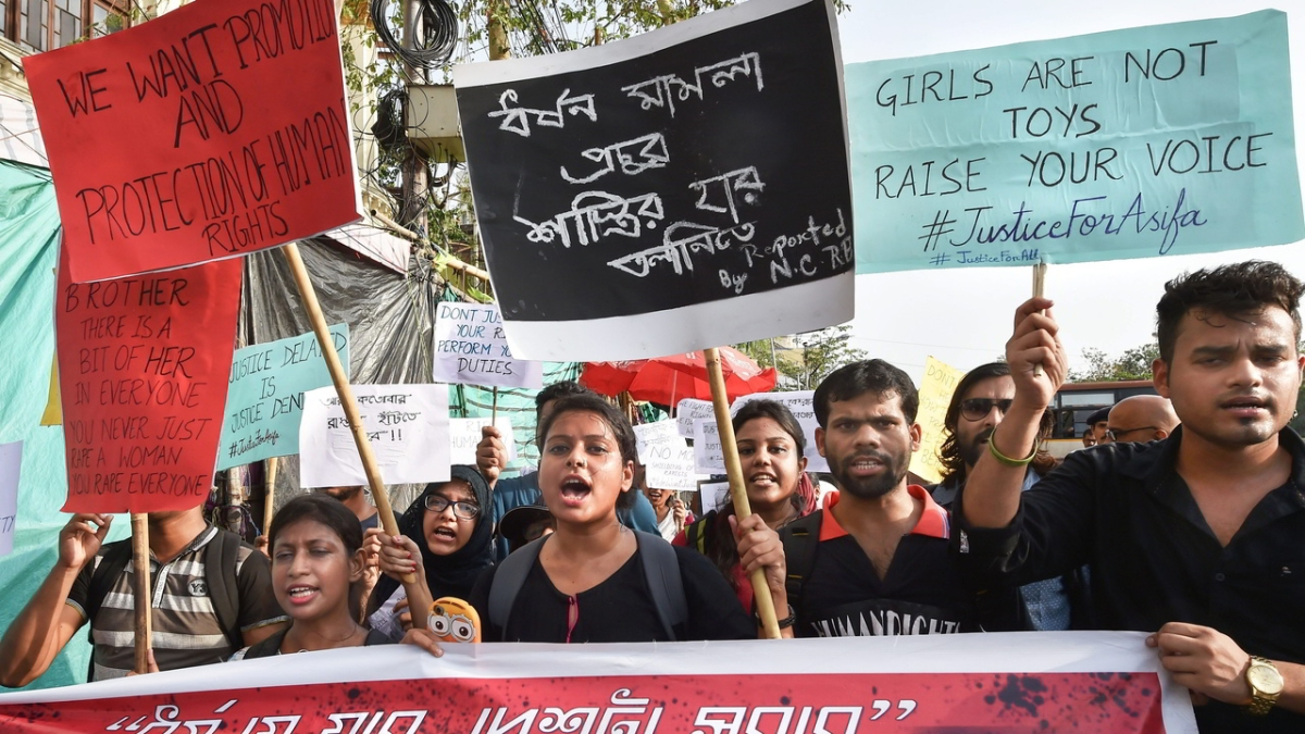 Uzbek woman alleging she was raped by Mumbai cop protests outside Commissioner's office