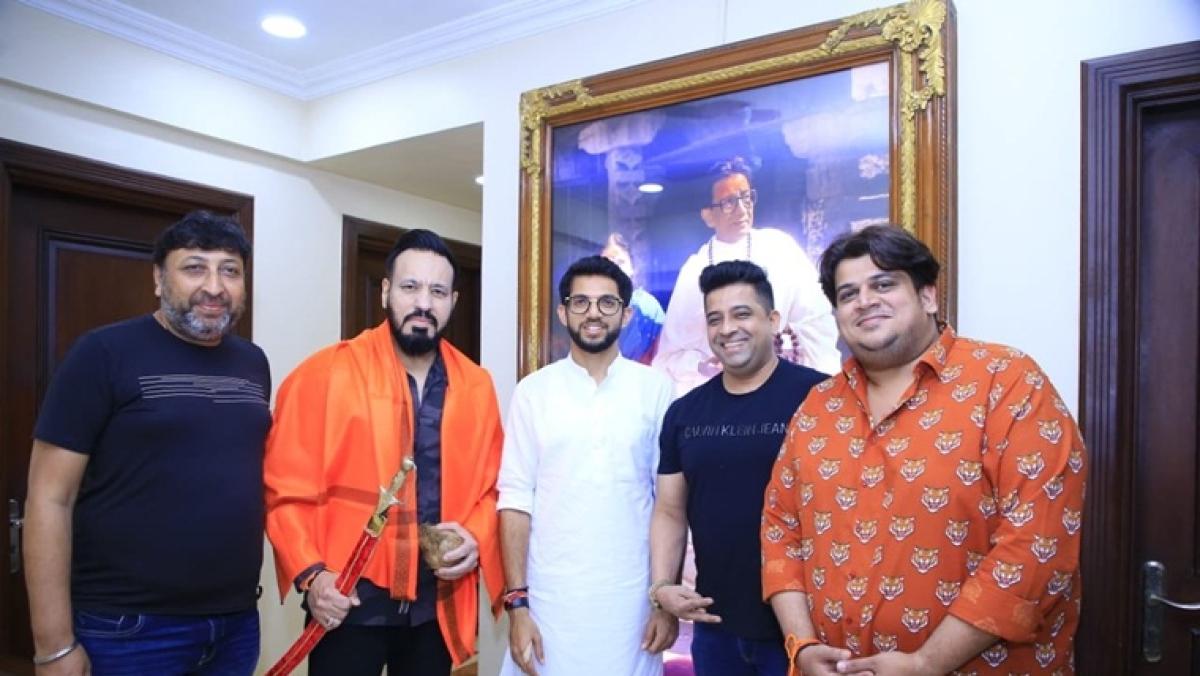 'Ab Salman Shera ko bhau bulayega': Twitter cracks up with jokes and memes as Shera joins Shiv Sena