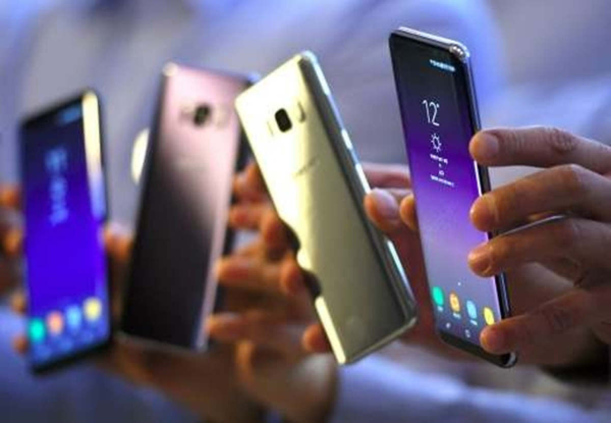 Planning to buy smartphone? Here are the best phones under Rs 15,000 with 6GB RAM