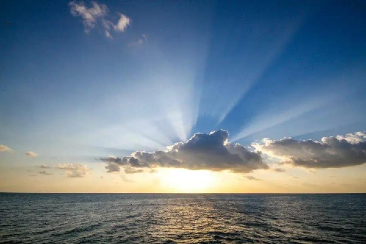 Guiding Light: Listen to his voice
