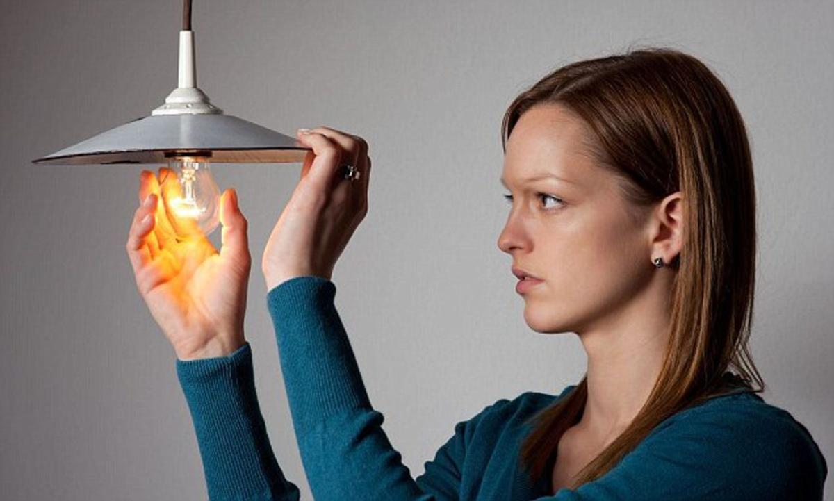 Beware! smart bulbs can hack your data