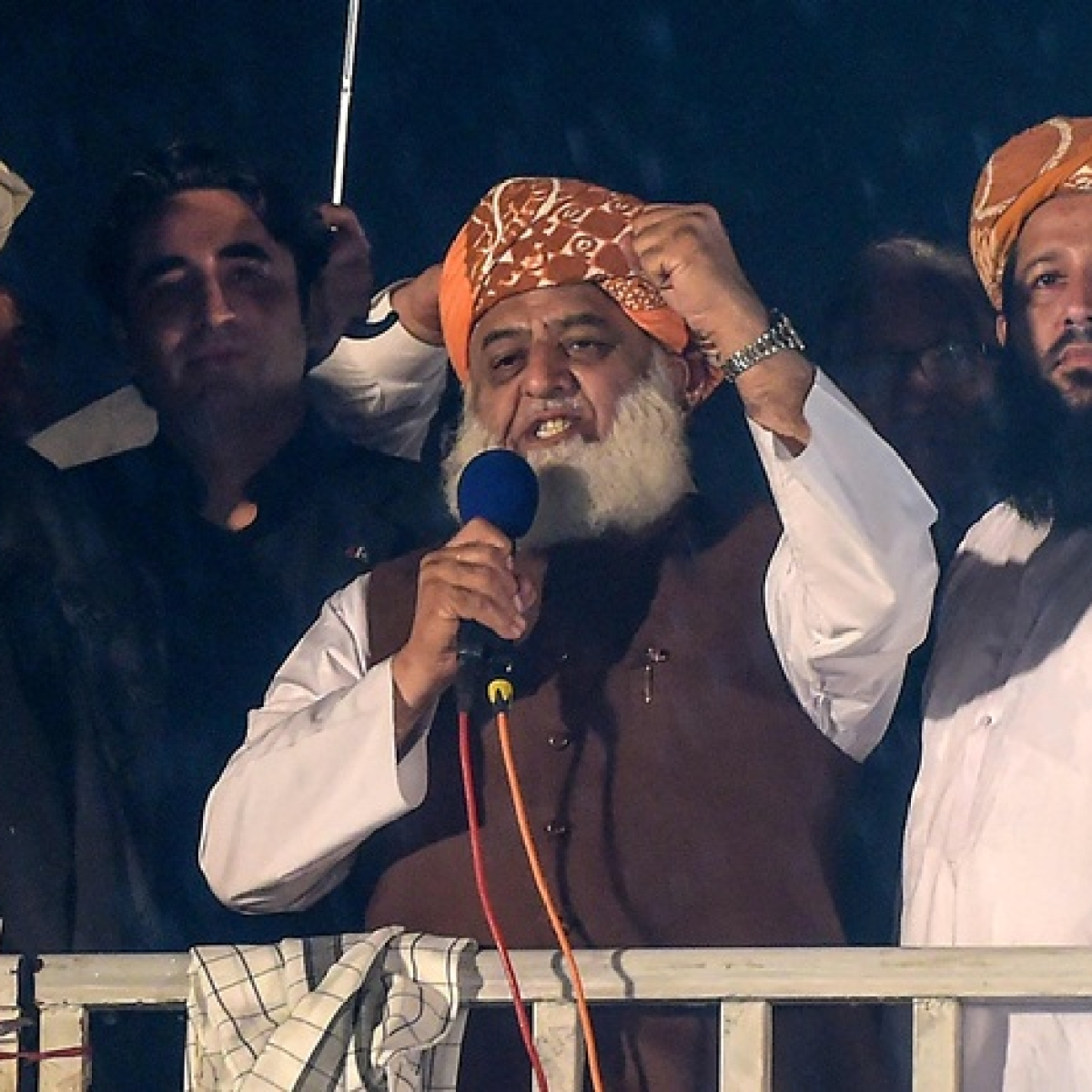 Pakistan cleric leading anti-government protest gives PM Imran Khan two-day ultimatum to step down