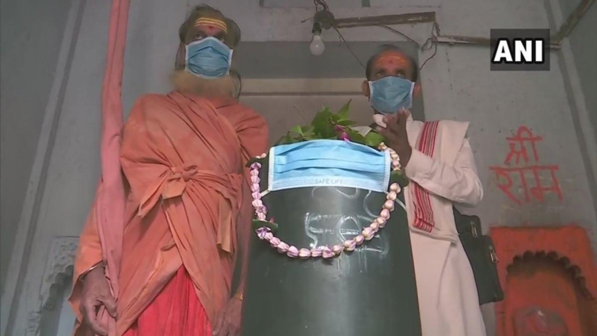 Varanasi: Pollution so bad even Bholenath needs a mask