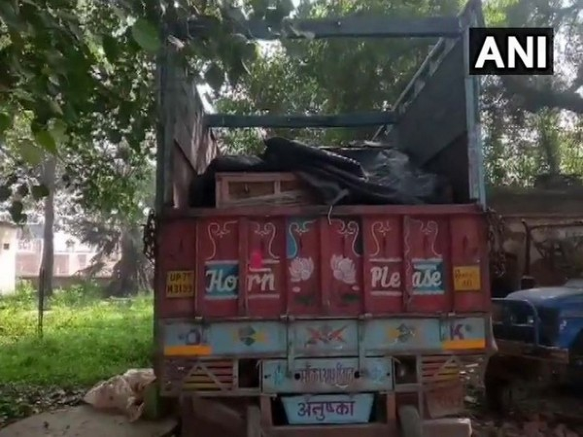 Lockdown 3.0: 238 migrant workers illegally travelling to UP held in various parts of Mumbai