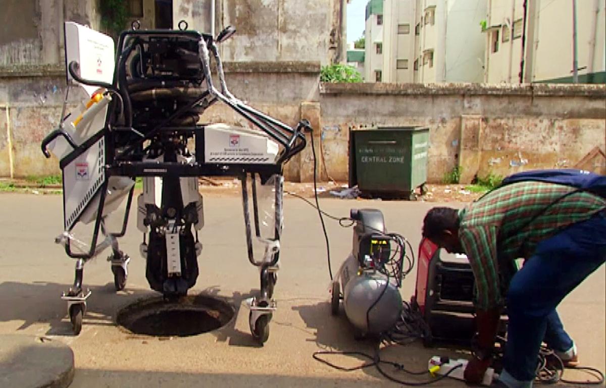 School boy from Kanpur develops 'air purifier robot'