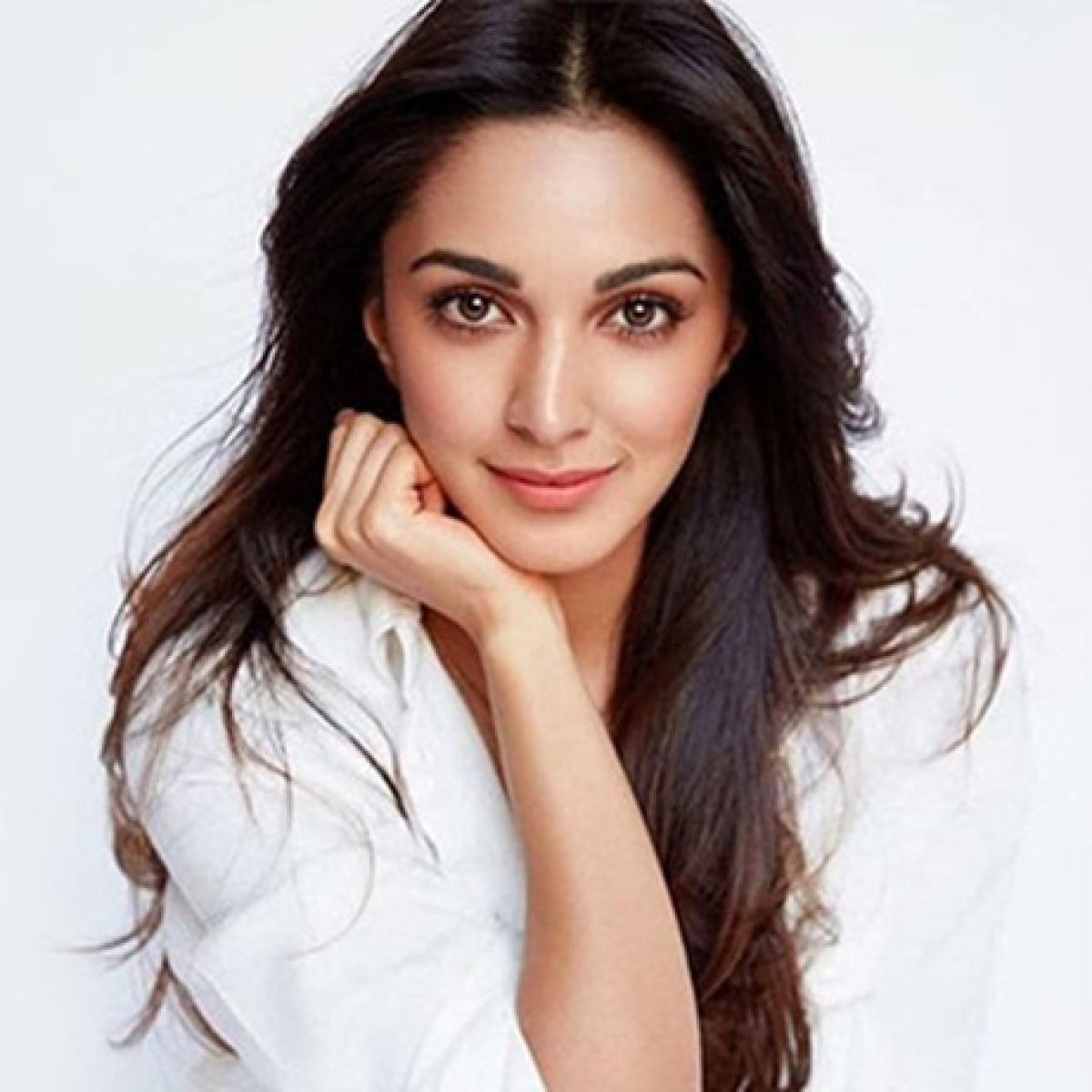 Kiara Advani has a surprise visitor on 'Indoo Ki Jawani' sets