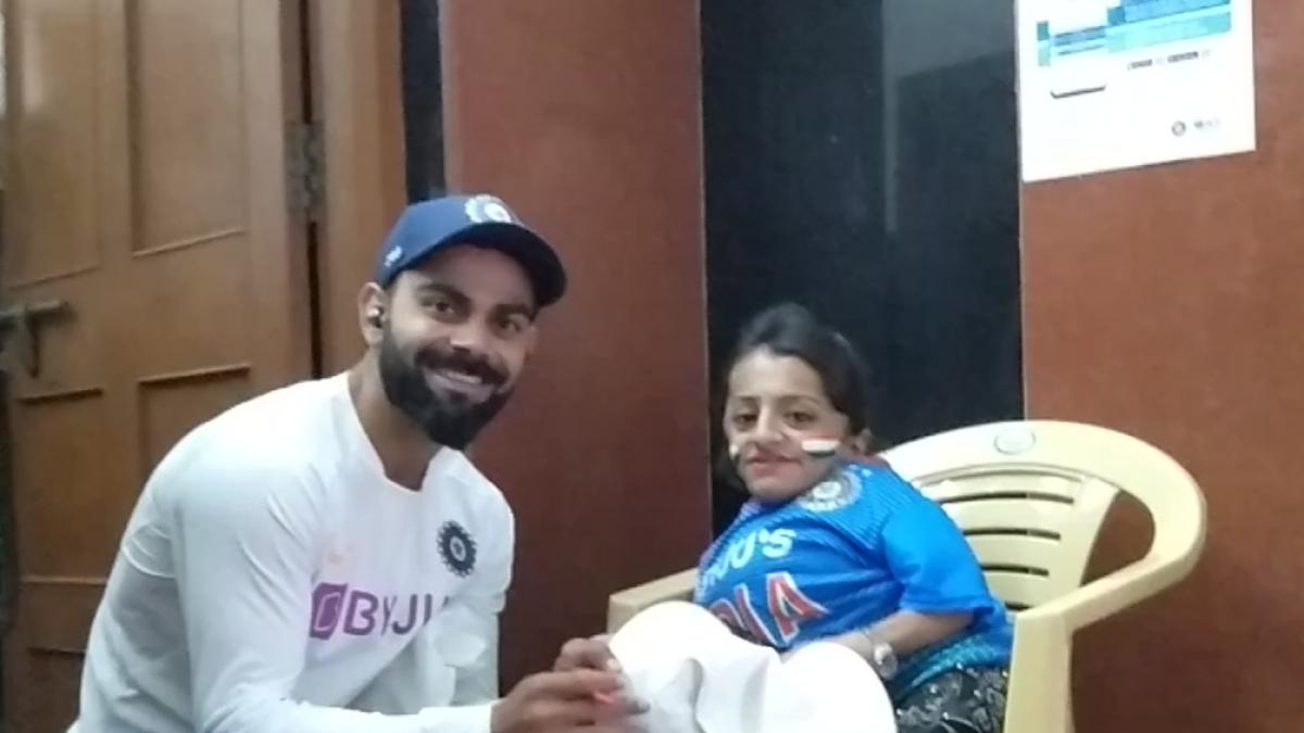Indore: Kohli fulfills special fan's dream
