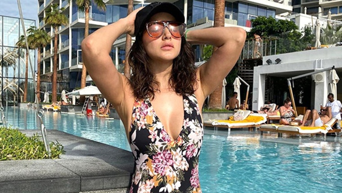 Yummy Mummy: Sunny Leone is raising the heat in this floral printed monokini!